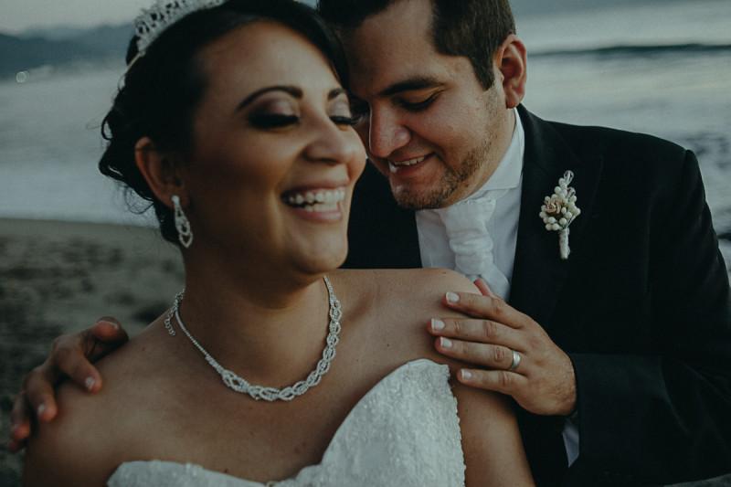 Puerto-Vallarta-Wedding-Photographer-107