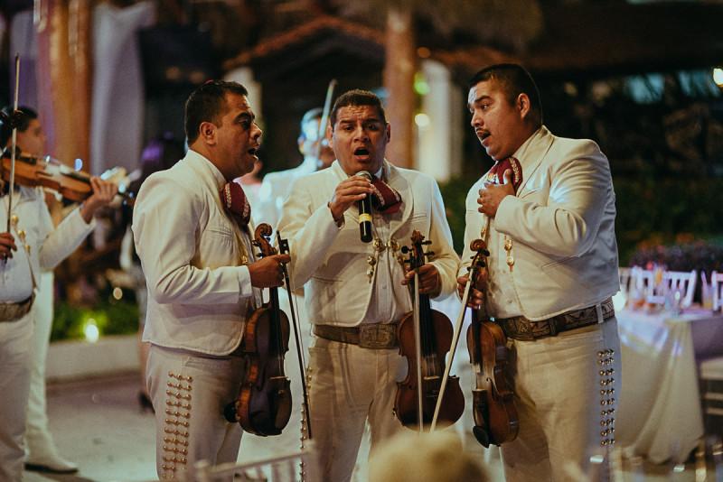 Puerto-Vallarta-Wedding-Photographer-121