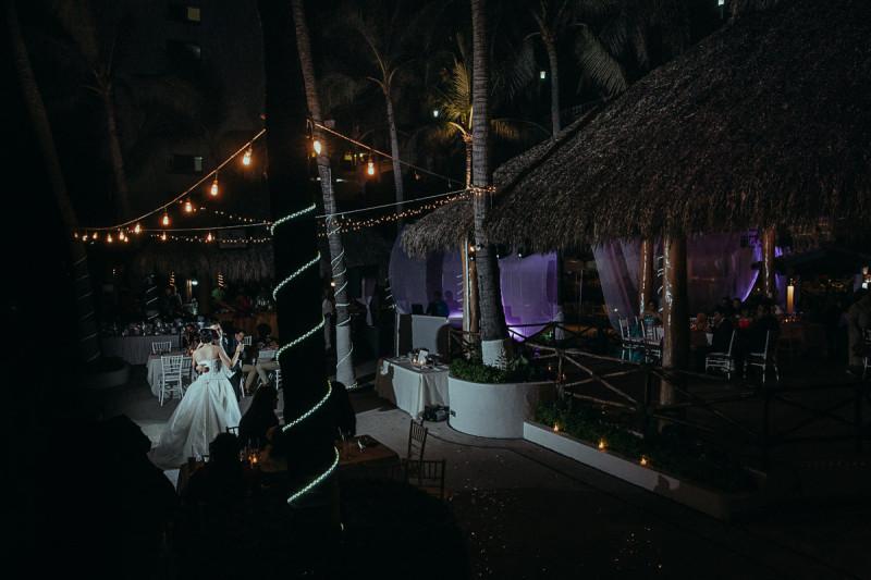 Puerto-Vallarta-Wedding-Photographer-123