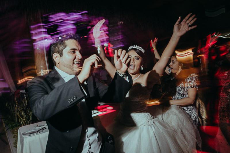 Puerto-Vallarta-Wedding-Photographer-136