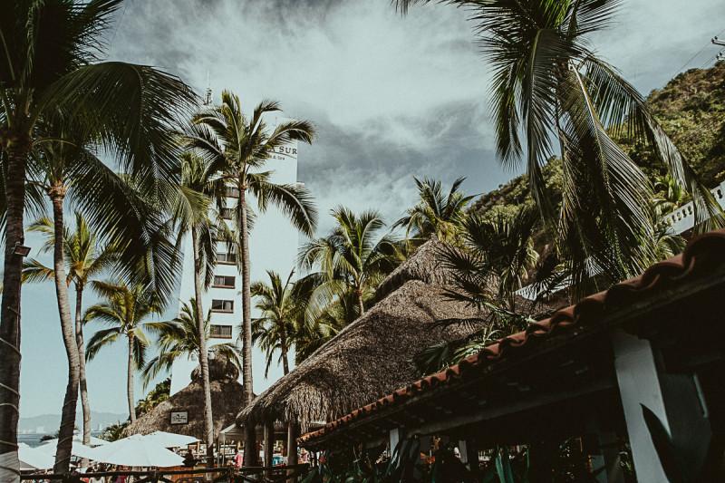 Puerto-Vallarta-Wedding-Photographer-14