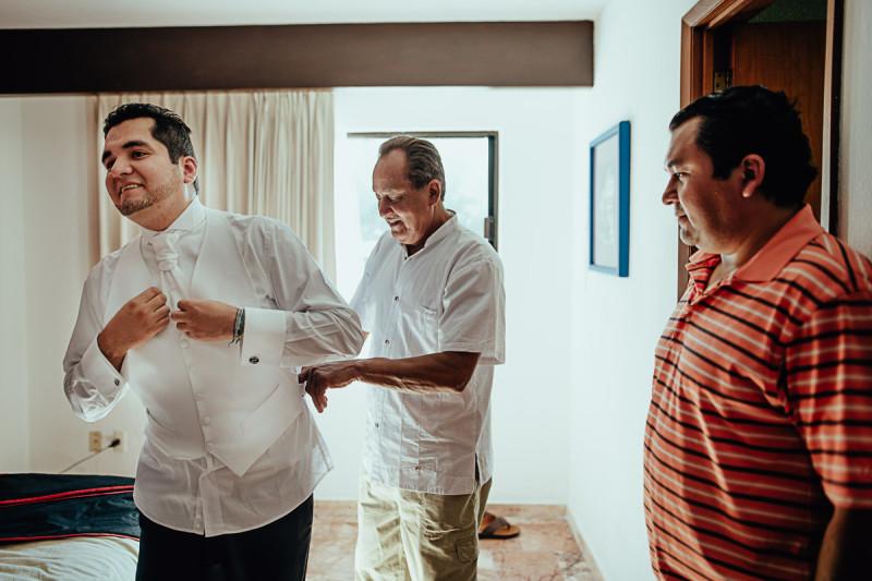 Puerto-Vallarta-Wedding-Photographer-41